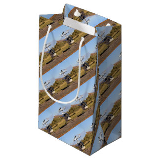Women fly: Helicopter (white) 2 Small Gift Bag