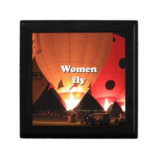 Women fly: hot air balloon 2 gift box
