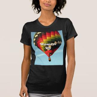 Women fly: hot air balloon T-Shirt