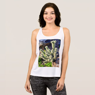 "Women's Performance Tank ""Jumping Cactus in Rock"""