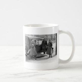 Women's Radio Corps: 1919 Mugs