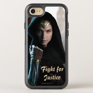 Wonder Woman in Cloak OtterBox Symmetry iPhone 7 Case