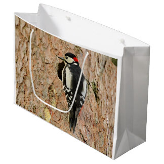 woodpecker on his tree large gift bag