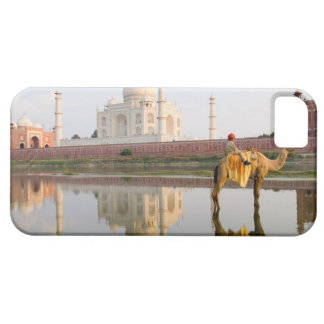 World famous Taj Mahal temple burial site at iPhone 5 Cases