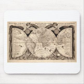 world map 1600 latin original black&white mouse pad