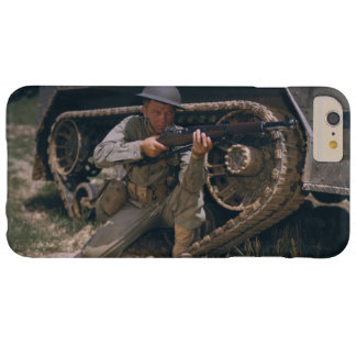 World War II Soldier Kneeling with Garand Rifle Barely There iPhone 6 Plus Case