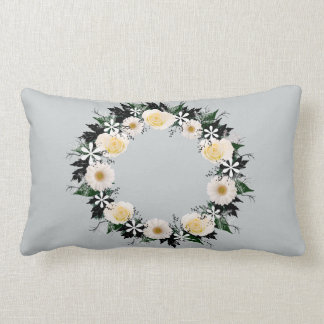"Wreath ""Simple Star"" White Flowers Gray Pillow"