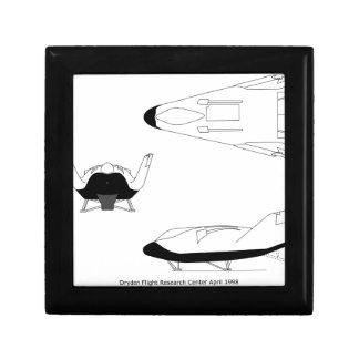 X-38_3-View_line_art_EG-0097-01 Gift Box