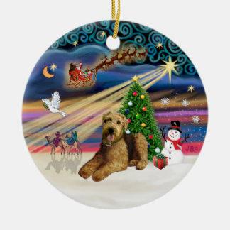 Xmas Magic - Airedale 5 (lying down) Round Ceramic Ornament