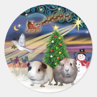 Xmas Magic -T wo Guinea Pigs Classic Round Sticker