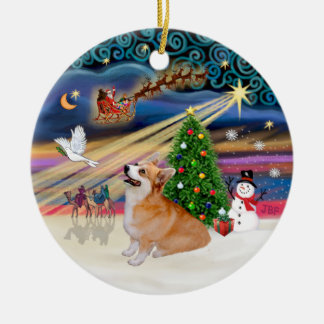 Xmas Magic - Welsh Corgi (Pembroke 7b) Round Ceramic Ornament