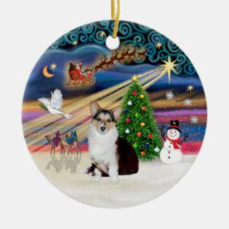 Xmas Magic - Welsh Corgi (tri color) Round Ceramic Ornament
