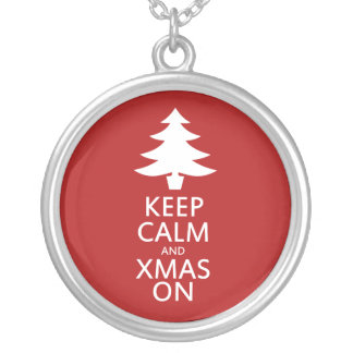 Xmas on round pendant necklace