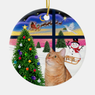 Xmas Window - Orange tabby cat Round Ceramic Ornament