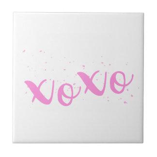 xoxo-Pink Trendy Tile