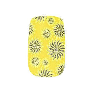 Yellow and gray silver spinning stars pattern nail minx nail art