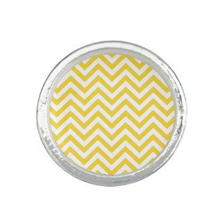 Yellow and White Zigzag Stripes Chevron Pattern Photo Ring