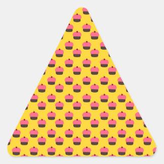 Yellow cupcake pattern triangle sticker