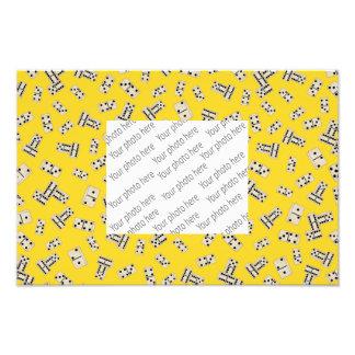 Yellow dominos photo