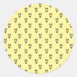 Yellow owl pattern round sticker