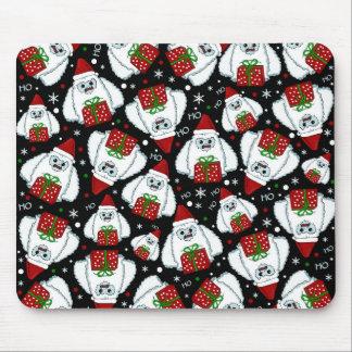 Yeti Xmas pattern Mouse Pad