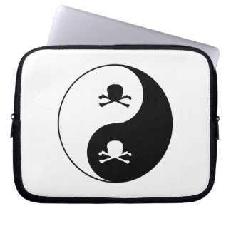 Yin and yang skulls laptop sleeve