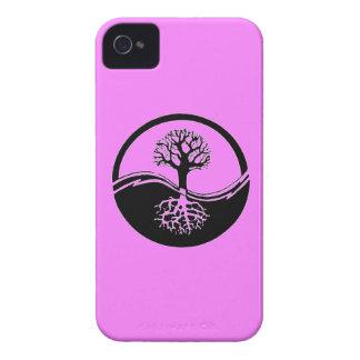 Yin and yang symbol blackberry case