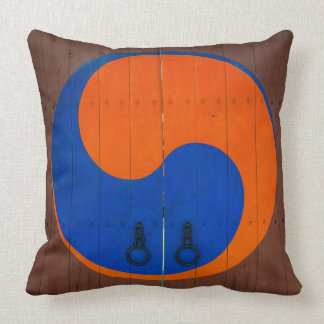 Yin and Yang symbol, South Korea Throw Pillow