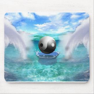 yin yang mouse pad