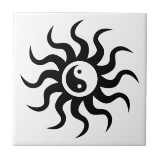 Yin-Yang Sun-Black/White Tile