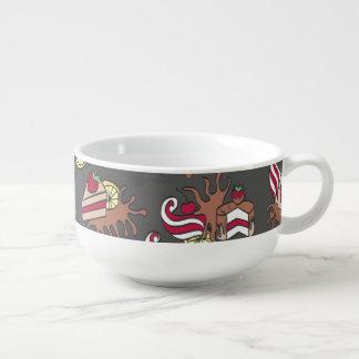Yummy doodle cupcake pattern. soup mug