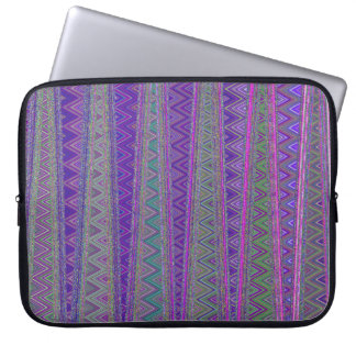 ZIG ZAGGING IN THE FOURTH UNIVERSE LAPTOP SLEEVE