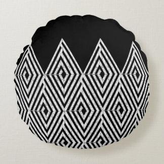 Zigzag Diamond Chevron Tribal pattern Round Pillow