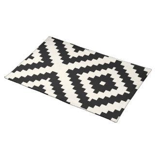 Zigzag Geometric Block Pattern Black Placemat