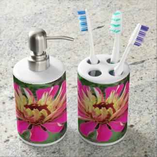 ZINNIA - Vibrant Pink and Cream - Soap Dispenser And Toothbrush Holder