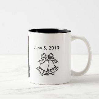 zme et Danny, mariage-cloche-avec… - Customisé Mugs