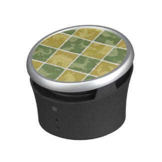 zoo themed pattern speaker
