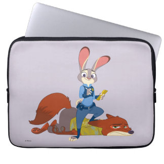 Zootopia | Judy Hopps & Nick Wilde - Busted! Laptop Sleeve